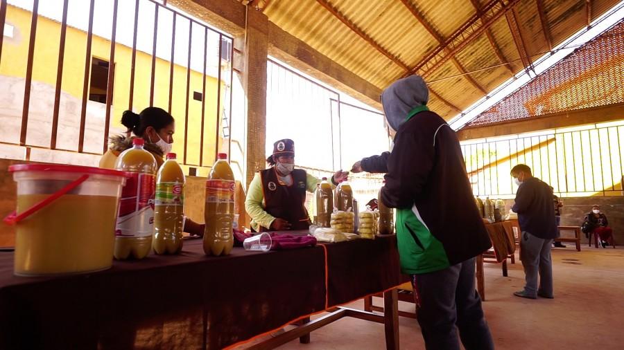Se realiza la entrega de muebles por parte del IPDRS al Gobierno Municipal de Machareti, para ambientes del Mercado Municipal